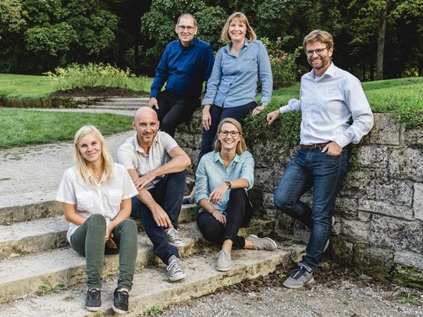 kinderhilfsorganisation-in-nepal-deutschland-team-small-2